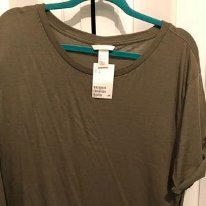 Olive green H&M T-shirt/ large. Never worn/new